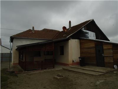 Casa cu teren mare in Felnac